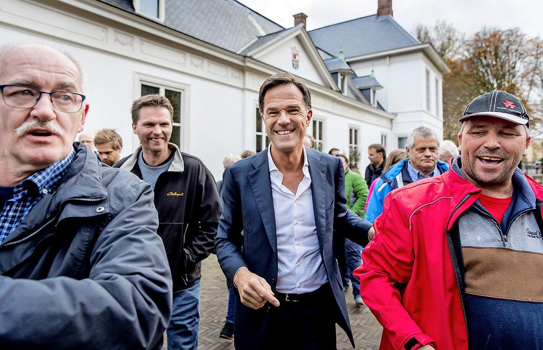'Teflon Mark' en de weglachpremier wordt Mark Rutte wel genoemd. Woensdag boekte hij weer succes. - foto: anp