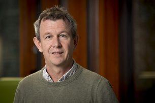 Corné Kempenaar van Wageningen University & Research is projectleider van de Nationale Proeftuin Precisielandbouw. Experts van zijn afdeling Agrosysteemkunde ondersteunen NPPL-deelnemers bij de introductie van precisietechnieken. - Foto: Koos Groenewold -