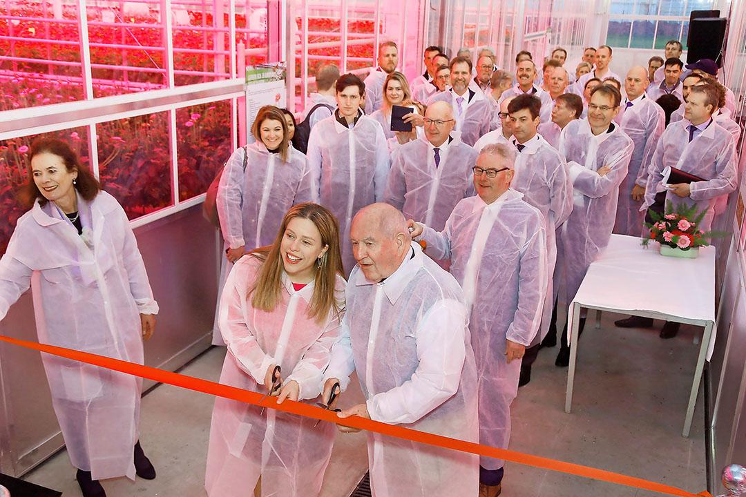 Carola Schouten en Sonny Perdue openen officieel de Kas 2030. - Foto: G. J. Vlekke