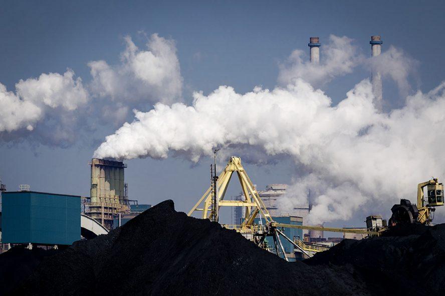 Hoogovens van staalbedrijf Tata Steel in IJmuiden. -Foto: ANP