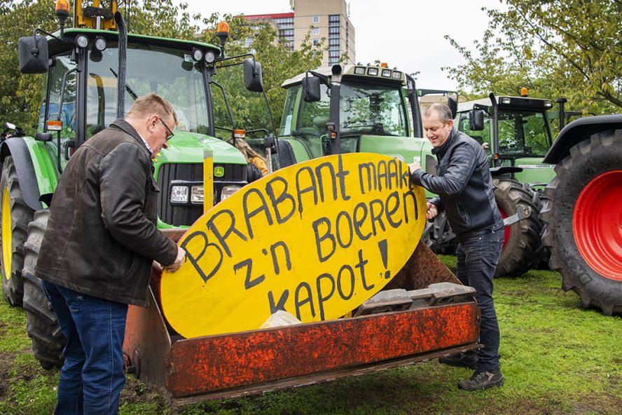 In oktober vorig jaar protesteerden Brabantse boeren nog over het stikstofbeleid bij het provinciehuis in Den Bosch. - Foto: ANP