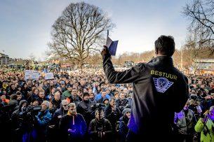 Jeroen van Maanen van Farmers Defence Force op de Koekamp in Den Haag tijdens de demonstratie op 19 februari tegen het stikstofbeleid van het kabinet. - Foto: ANP