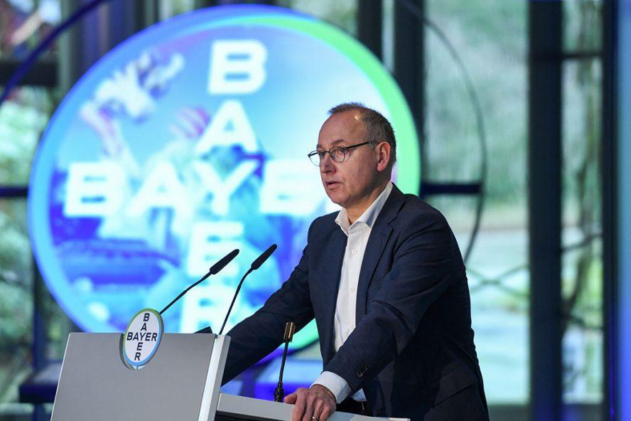 CEO van Bayer, Werner Baumann, tijdens de presentatie van de jaarcijfers van het chemieconcern. - Foto: ANP