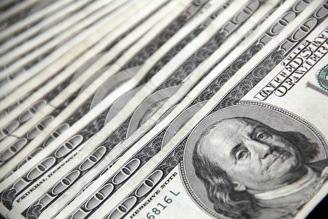 De koers van de Amerikaanse dollar is sinds eind 2019 verder gestegen ten opzichte van de euro. - Foto: John Guccione