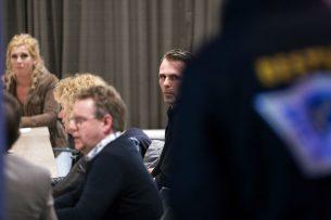 Jeroen van Maanen van Farmers Defence Force (r) tijdens een bijeenkomst van het Landbouw Collectief in Nijkerk, gisteravond 5 februari. - Foto: ANP