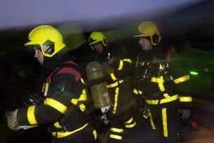Brandweeroefening bij varkensbedrijf. - Foto: Twan Wiermans