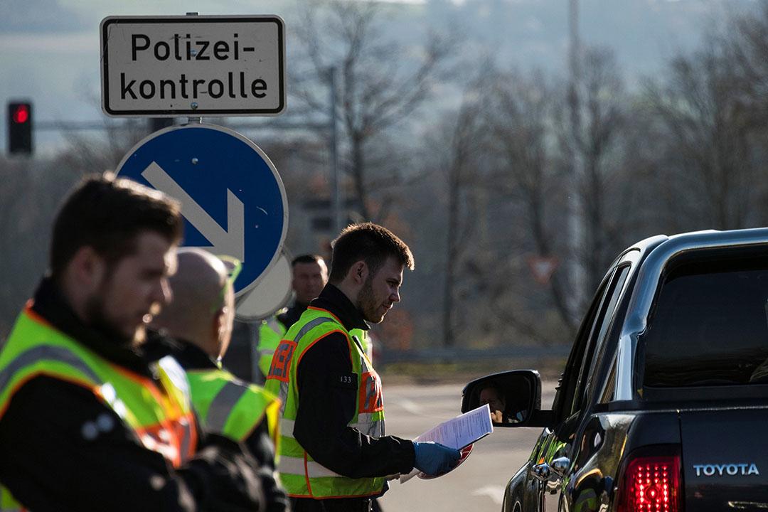 Duitse politie houdt grenscontrole. - Foto: ANP