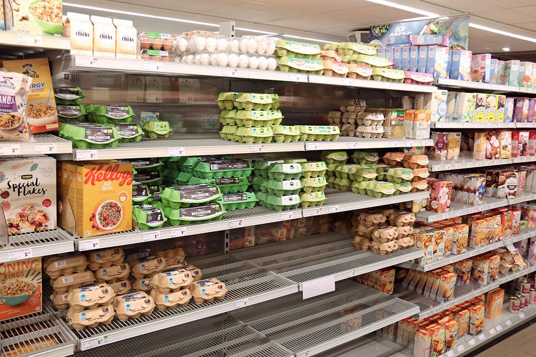 Lege plekken, eerder deze week in eierschap van een Jumbo-supermarkt. - Foto: Hans Bijleveld