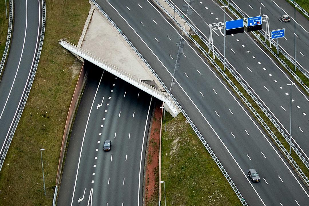 Zo goed als lege snelwegen tijdens de coronacrisis. - Foto: ANP