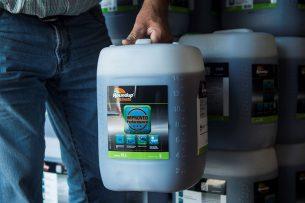 Roundup bevat de werkzame stof glyfosaat. - Foto: Reina de Vries