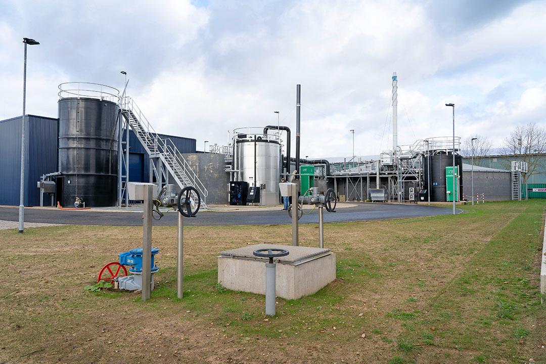 Een overzicht van de kaumerafabriek van Waterschap Rijn en IJssel. Het afvalwater van FrieslandCampina komt via een persleiding binnen en wordt verwerkt tot de grondstof kaumera. - Foto's: Jan Willem Schouten