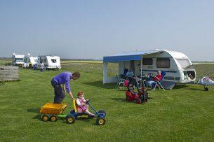 Voor sommige boerencampings wordt het financieel al erg lastig. Daarom is SVR een actie gestart om deze campings te ondersteunen.  - Foto: ANP