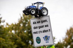 'Toch zegt mijn boerenverstand ook dat het belangrijk is om eveneens aan andere knoppen te draaien. De landbouw kan dit probleem niet alleen oplossen'. Foto: ANP