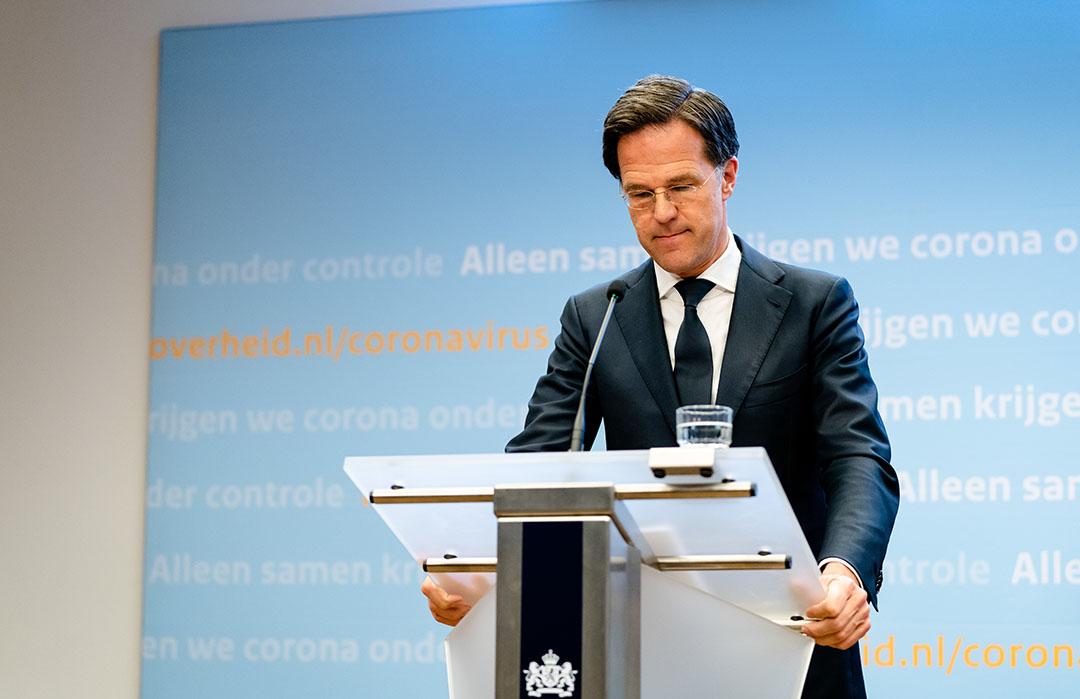 Minister-president Mark Rutte. Zijn besluit om de 'intelligente lockdown' te verlengen, is begrijpelijk, maar dat het langer gaat duren, heeft wel een zure afdronk voor veel bedrijven. Een recessie is onvermijdelijk. - Foto: ANP
