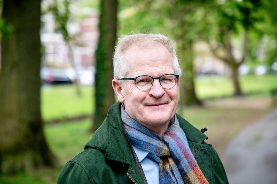 """Dick Heederik: """"We hebben met de veehouderij in Nederland potentieel een groot risico. Daar zijn we ook expliciet in. Het hangt heel erg van een virus af bij welke diersoort een virus zich het meeste thuisvoelt."""" - Foto: Herbert Wiggerman"""