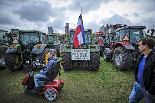 Boerenprotest in oktober op het Malieveld in Den Haag. De uitspraak van Tjeerd de Groot over halvering van de veestapel was voor veel boeren de druppel die de emmer deed overlopen. Foto: Fred Libochant