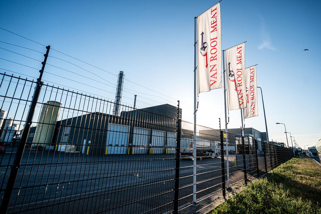 Exterieur van Van Rooi Meat. Het slachthuis moet op last van de Veiligheidsregio Brabant-Zuidoost tot 2 juni dichtblijven, nadat opnieuw medewerkers positief testten op het coronavirus. - Foto: ANP