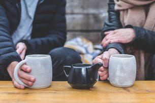 De spotjes zijn gericht op de 'menselijke momenten' waarop koffie, thee of melkdrankjes worden gedronken. Foto: Canva