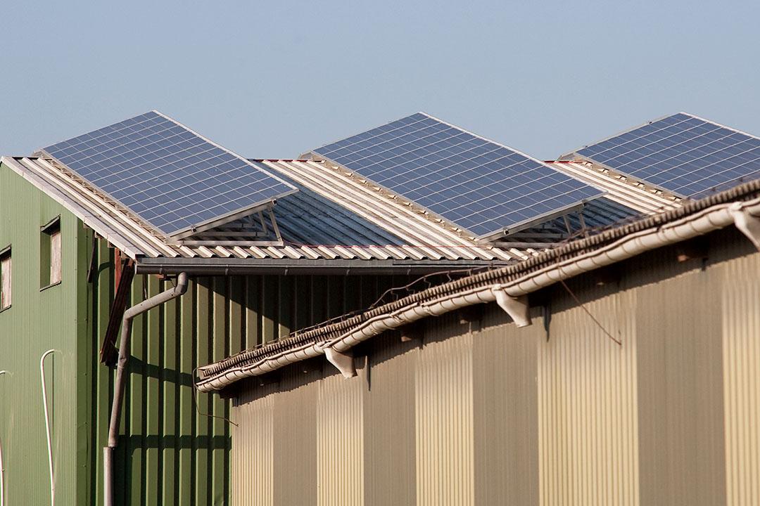Zonnepanelen op het dak van een Duits akkerbouwbedrijf. Foto: Ronald Hissink