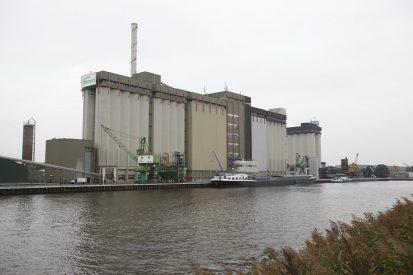 Mengvoerfabriek van ForFarmers in Lochem. - Foto: Jan Willem Schouten