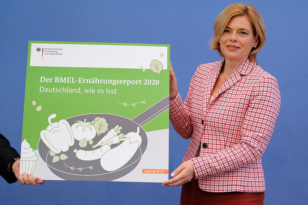 De Duitse landbouwminister Julia Klöckner presenteert het onderzoek naar de eetgewoonten van Duitsers. - Foto: ANP
