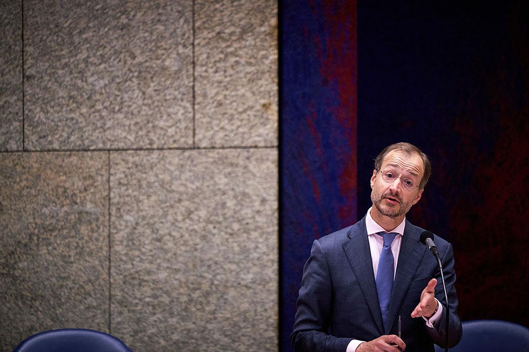 Minister Eric Wiebes van Economische Zaken en Klimaat (VVD) in de Tweede Kamer. Foto: ANP