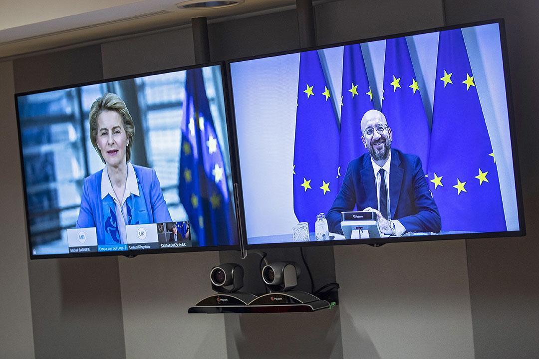 Ursula von der Leyen en Charles Michel tijdens een virtuele topconferentie over de brexit. Foto: ANP