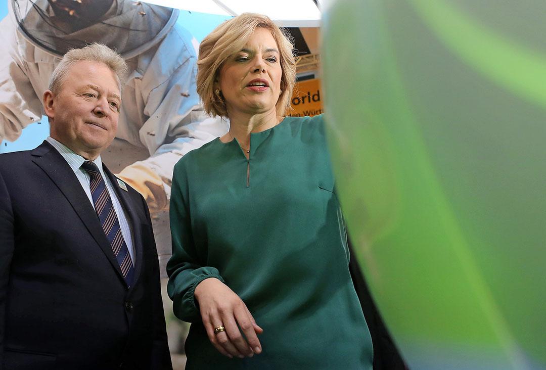 Eurocommissaris voor landbouw Janusz Wojciechowski en de Duitse landbouwminister Julia Klöckner tijdens de Grüne Woche in januari 2020. - Foto: EU 2020/Adam Berry