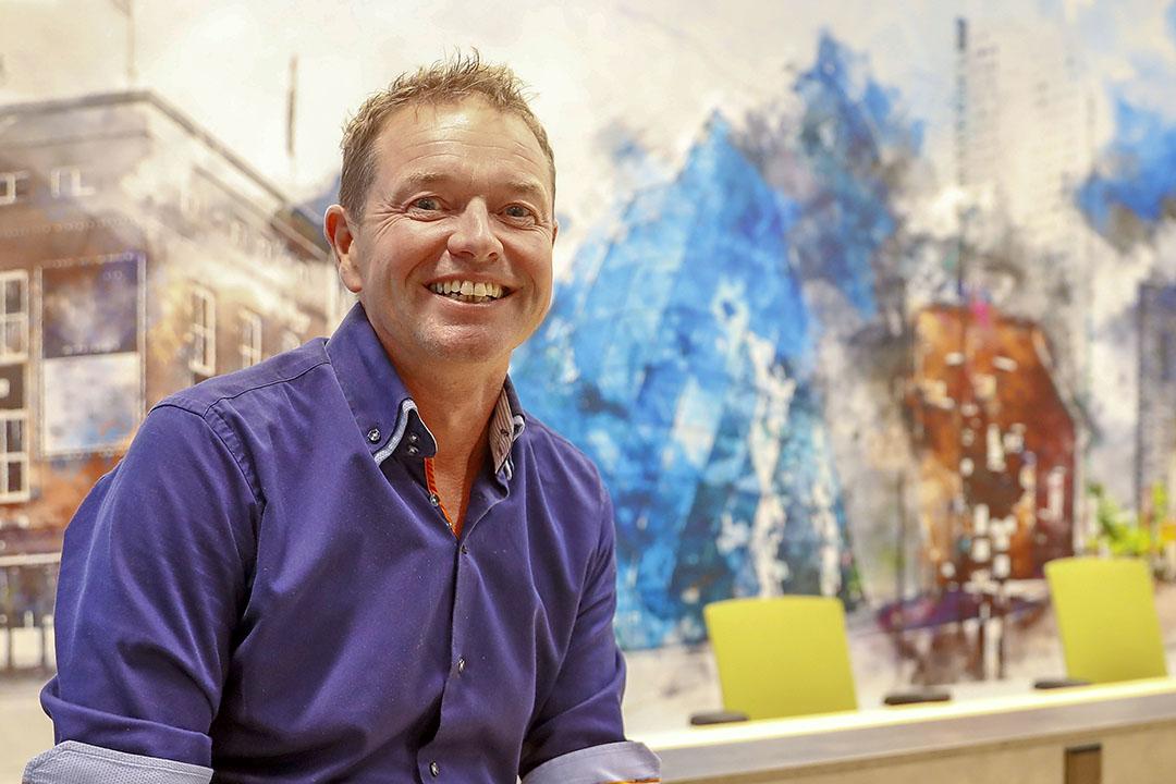 Robert Stienen (52) is specialist varkenshouderij bij ABN Amro. - Foto: Bert Jansen