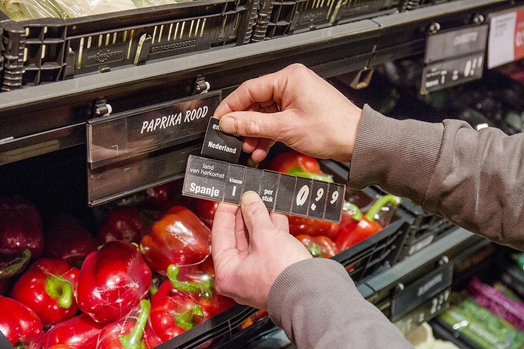Voor supermarkten is het soms lastig de productieketen goed in kaart te krijgen.- Foto: Herbert Wiggerman