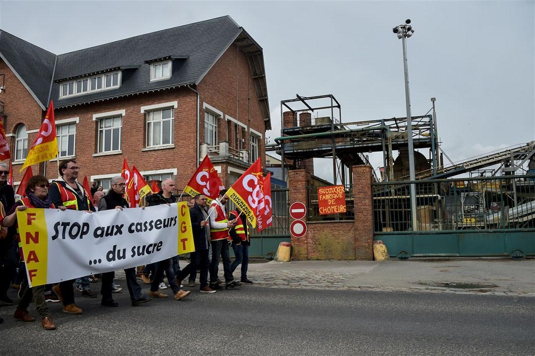 Maart 2019: Franse werknemers van een suikerfabriek protesteren tegen de sluiting ervan. Binnen een jaar zijn vier suikerfabrieken in Frankrijk gesloten. - Foto: AFP