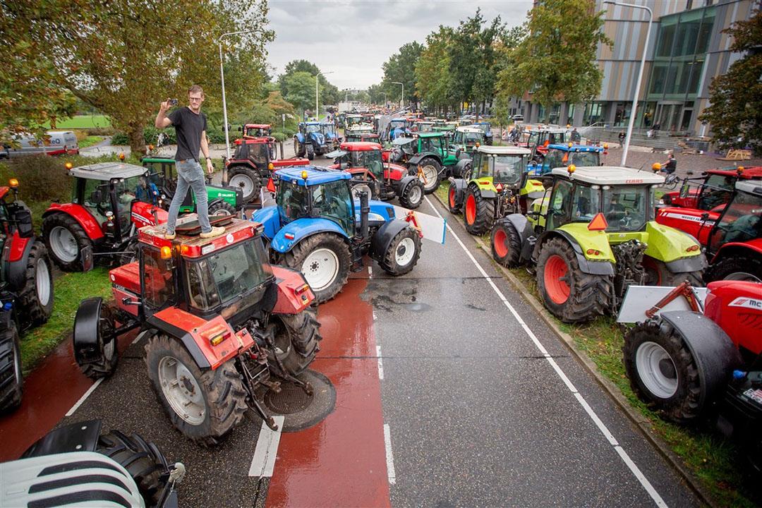 Protesterende boeren bij het provinciehuis van Overijssel, oktober 2019. - Foto: ANP