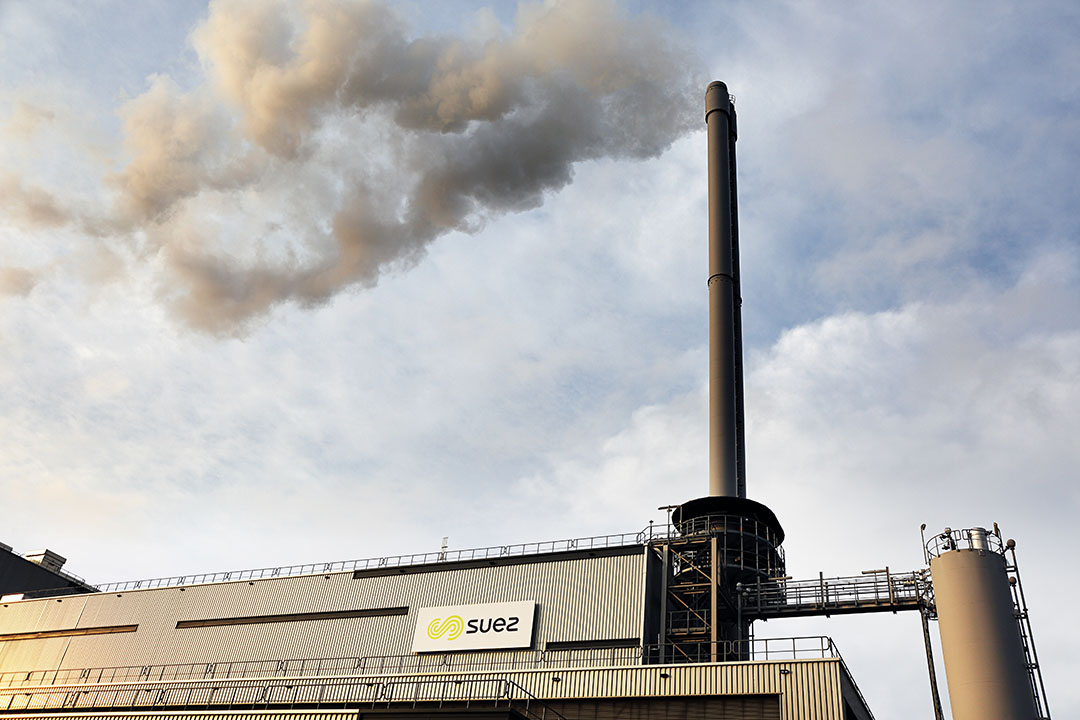 De afvalverbranding van Suez ReEnergy in Roosendaal wil warmte en CO2 aan tuinders gaan leveren. - Foto: ANP