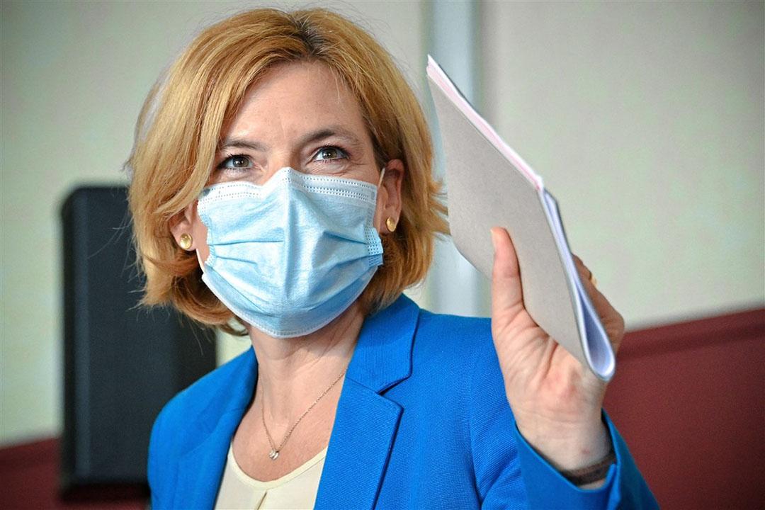Duitse landbouwminister Julia Klöckner heeft zich uitgesproken voor een vleesheffing en meent dat de coronacrisis het 'momentum' biedt om juist nu de vleesindustrie aan te pakken. Foto: ANP