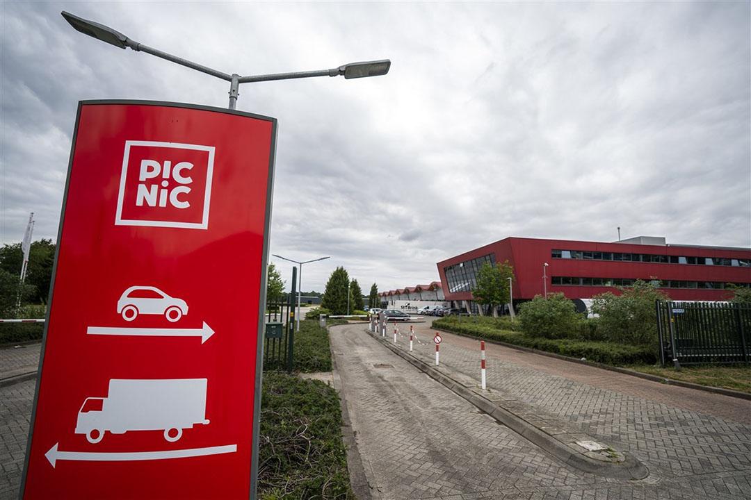 Exterieur van het nieuwe distributiecentrum van de online supermarkt Picnic in Apeldoorn. Foto: ANP