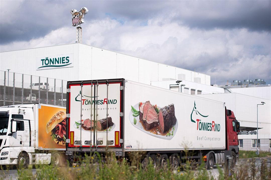Uit de studie blijkt dat het virus zich hoogstwaarschijnlijk verspreidde vanaf één enkele werknemer die werkte in de snijzaal voor rundvlees. - Foto: ANP