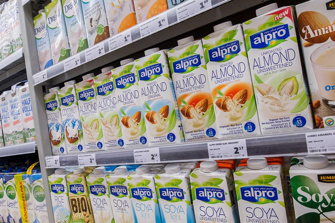 Danone zag de omzet van zuivel en plantaardig, waaronder het merk Alpro, toenemen. - Foto: Koos Groenewold