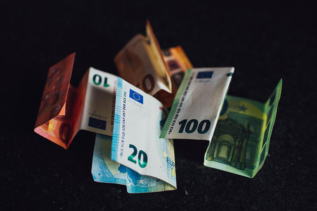 Veehouders gingen wisselend om met het aanbod vanuit de banken om de aflossingen uit te stellen wegens corona. - Foto: Canva / Markus Spiske
