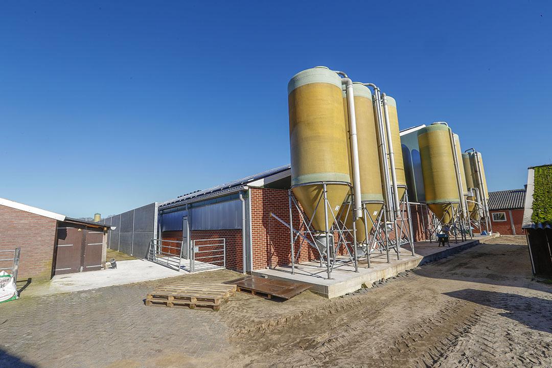 Brabants varkensbedrijf. Het nieuwe Brabantse bestuur wil boeren nog meer tijd geven, voor zowel de vergunningsdeadline als de realisatie van de nieuwe stalplannen. Foto: Bert Jansen
