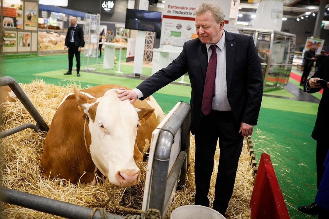 Janusz Wojciechowski in februari dit jaar tijdens een bezoek aan de landbouwbeurs in Parijs. - Foto: EC - Audiovisual Service