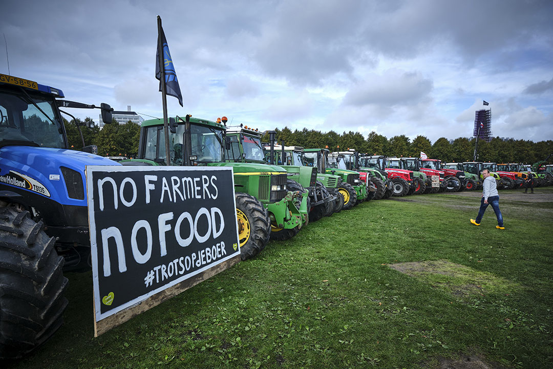 Op 1 oktober 2019 trokken boeren al massaal naar Den Haag om te protesteren tegen het stikstofbeleid. - Foto: Fred Libochant/Roel Dijkstra Fotografie