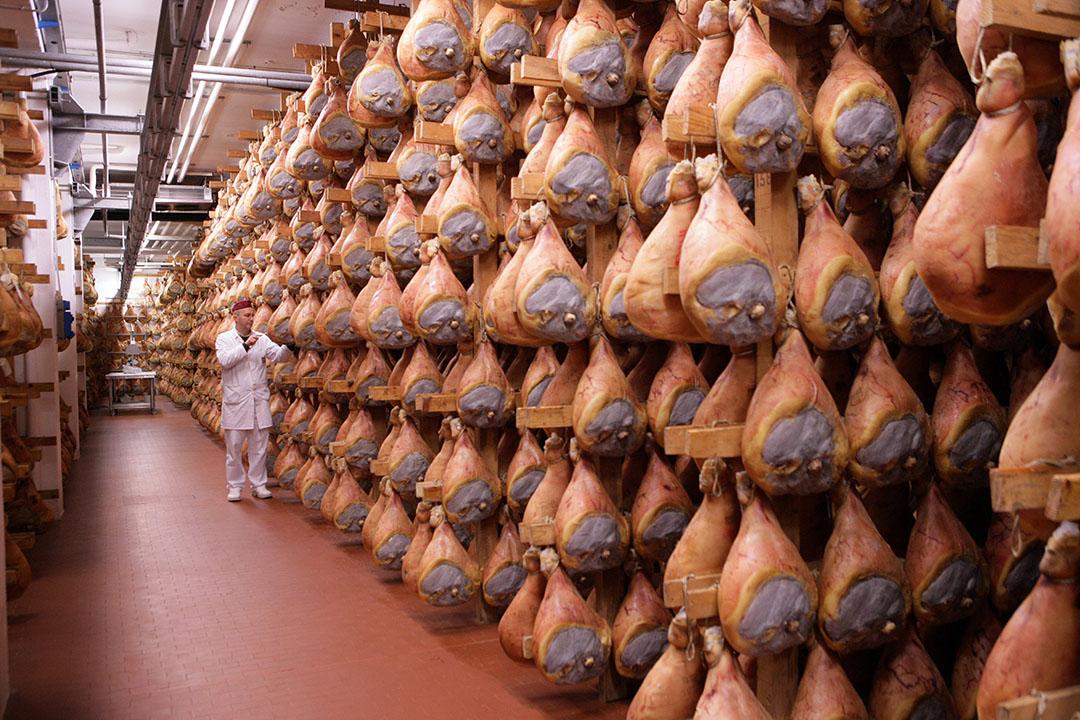 De naam Italiaanse Parmaham wordt wettelijk beschermd op de Chinese markt. - Foto: Henk Riswick