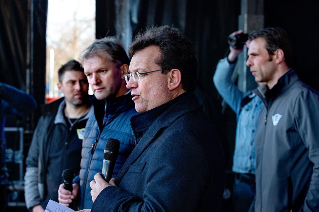 Kamerlid en landbouwwoordvoerder Jaco Geurts begin dit jaar tijdens de protesten in Den Haag. Geurts staat op plaats 11 van de CDA-kandidatenlijst voor de Tweede Kamerverkiezingen. Tweede van links is Maurits von Martels. - Foto: ANP