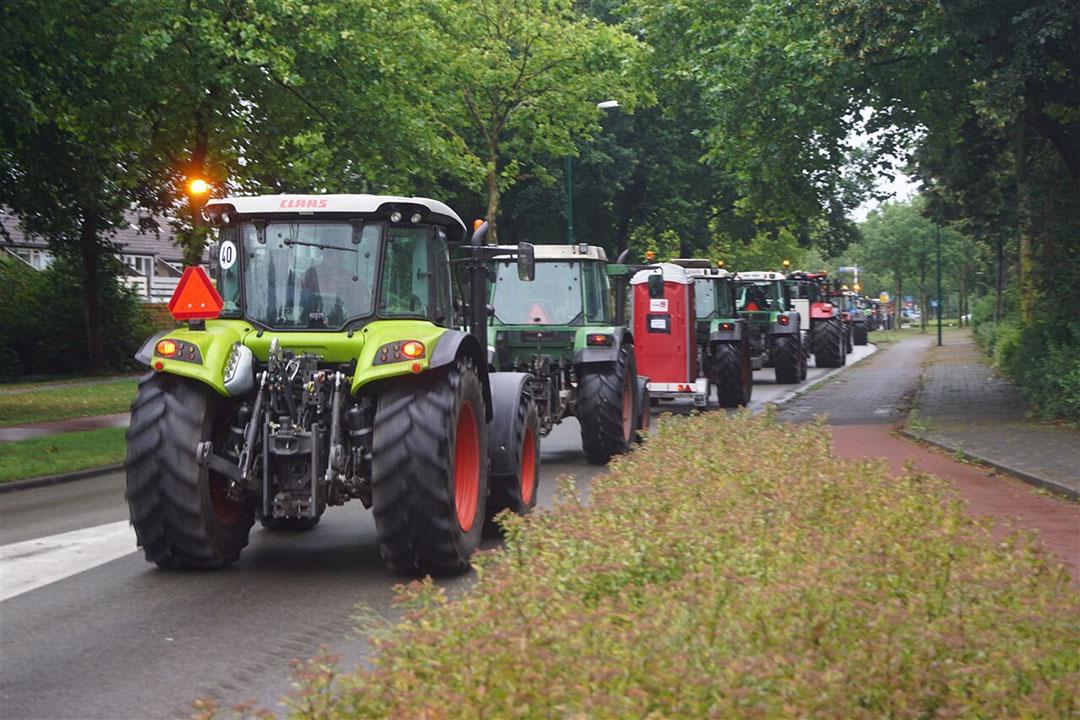 Eerder deze zomer voerden boeren ook al actie met trekkers tegen de voermaatregel van minister Schouten. - Foto: ANP