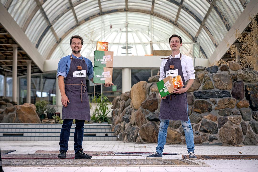 Sander Peltenburg (r) richtte drie jaar geleden samen met George Brandenburg De Krekerij op. - Foto: Dennis Wisse/Roel Dijkstra Fotografie