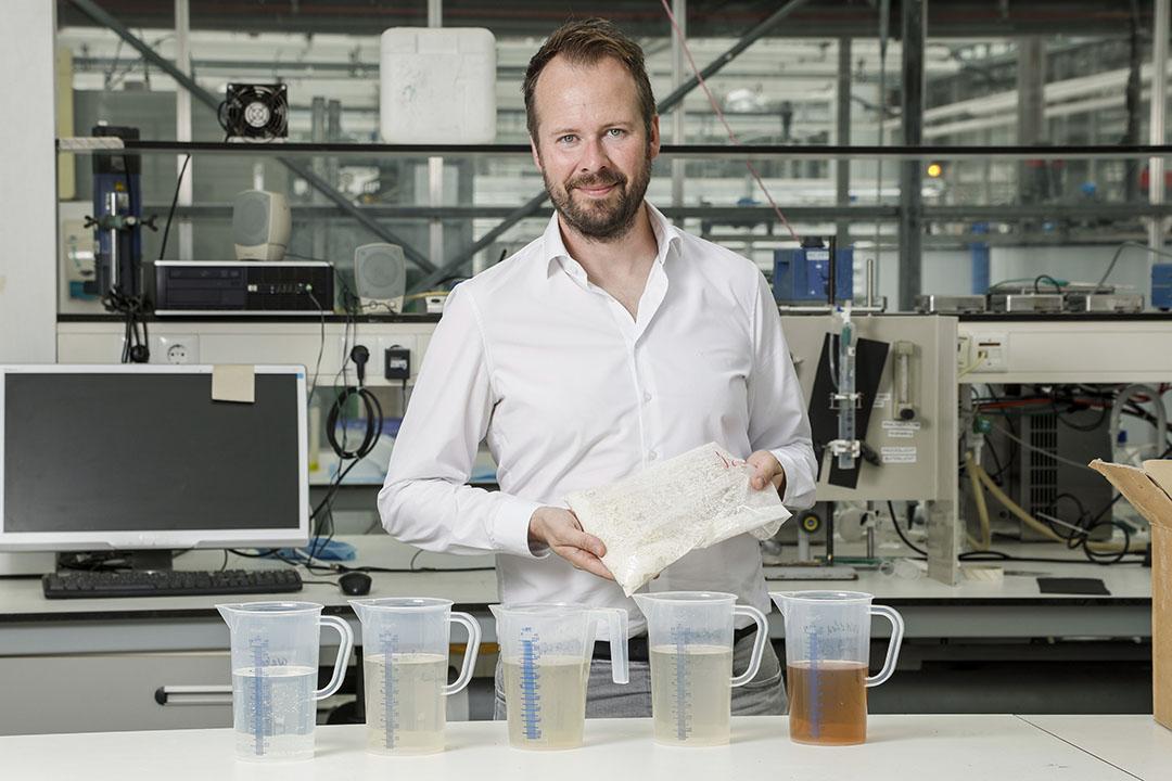 """Medeoprichter van Fumi Ingredients Corjan van den Berg: """"Eiwit uit micro-organismen als alternatief voor kippenei-eiwit is veelbelovend."""" - Foto: Koos Groenewold"""