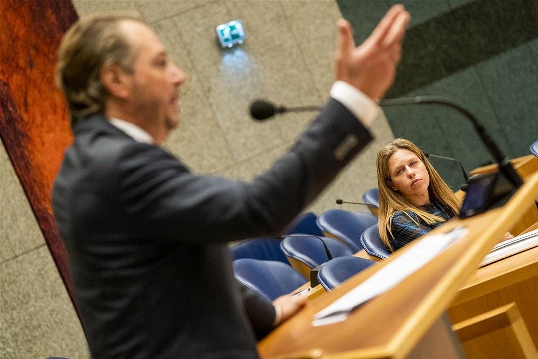 Carola Schouten, minister van Landbouw, Natuur en Voedselkwaliteit, luistert naar Barry Madlener (PVV) in de Tweede Kamer, najaar 2019. - Foto: ANP/Jerry Lampen