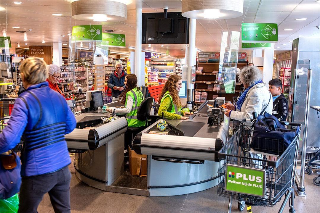 Consumenten kiezen voor gemak en blijven deels drukke supermarkten mijden vanwege zorgen om hun veiligheid. Foto: ANP