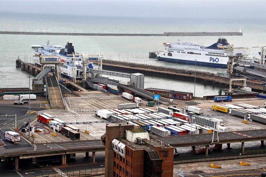 De haven in Dover (VK). Er worden lange files verwacht voor de havens in het Verenigd Koninkrijk na de brexit. - Foto: ANP
