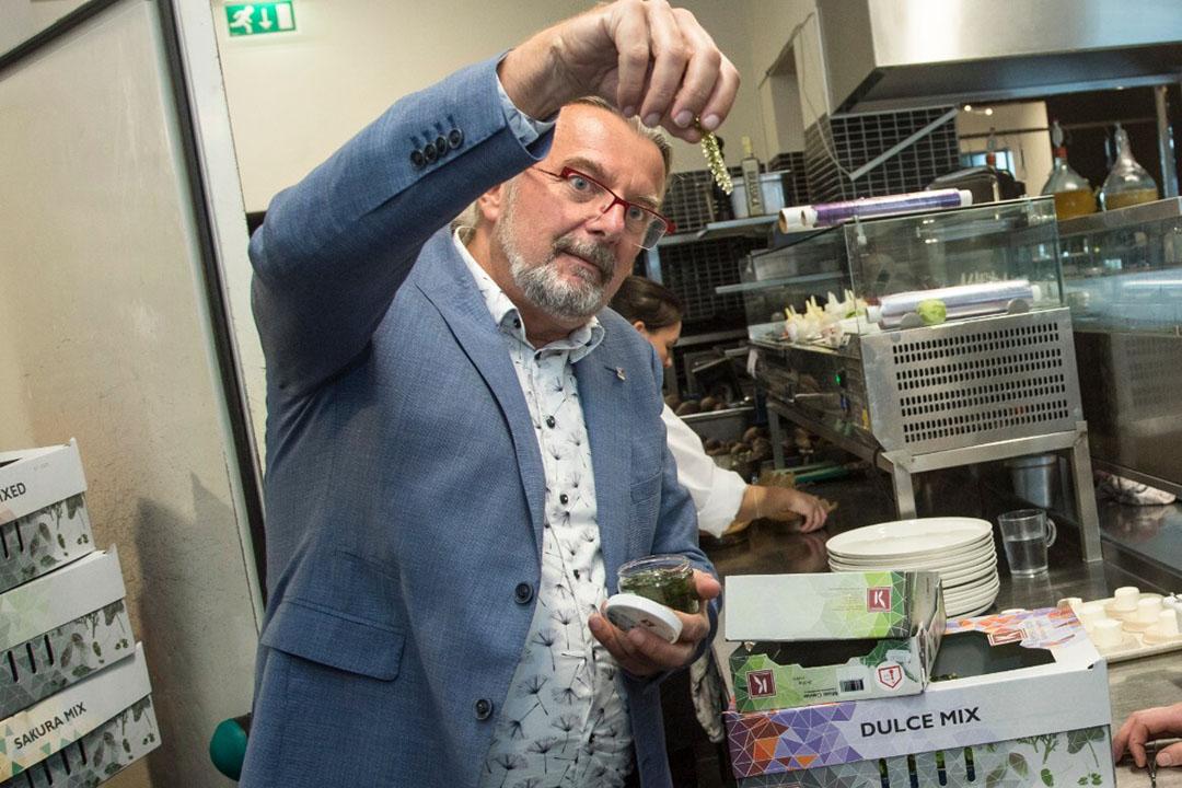 Tuinder Rob Baan is uitgeroepen tot Agrarisch Ondernemer van het Jaar 2020. Zijn bedrijf Koppert Cress levert 70 cressen, microgroenten en andere smaakmakers aan 70.000 restaurants in 110 landen.  - Foto: Koos Groenewold